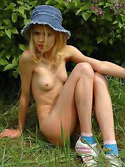 Sexy blonde teen strips shamelessly outdoors..