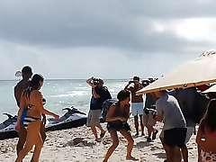 Nude Kelly Brook - Miami Beach 2014