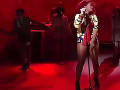 Singer Rihanna perfomance sexy