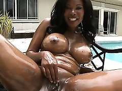Busty ebony housewife with hot bottoms