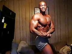 Black Muscle, Chumbanga no nudity