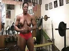 Black strongwoman Carmella Cureton Works Out