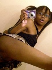 Bored amateur black schoolgirls takes..